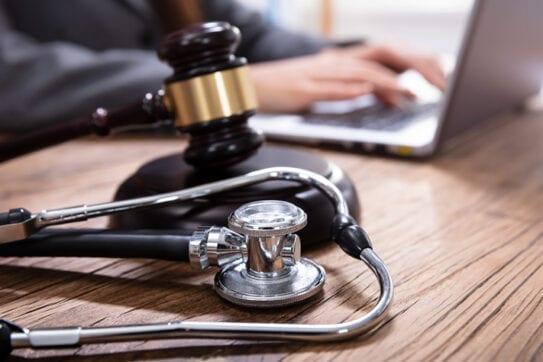 O texto da lei é claro ao tratar a ausência de obrigatoriedade para a cobertura de tratamentos artificiais para a concepção.
