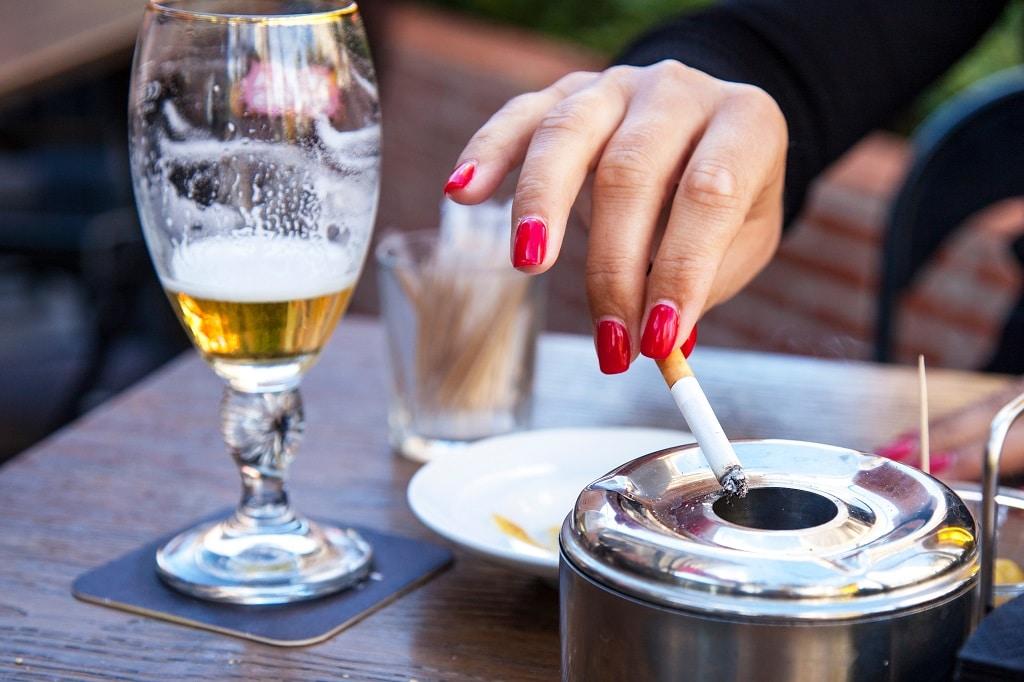 Álcool e cigarro podem provocar a infertilidade em homens e mulheres