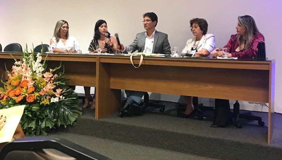 Mesa com os palestrantes no XVIII Simpósio Nacional de Reprodução Humana realizado no dia 20.09.2019.