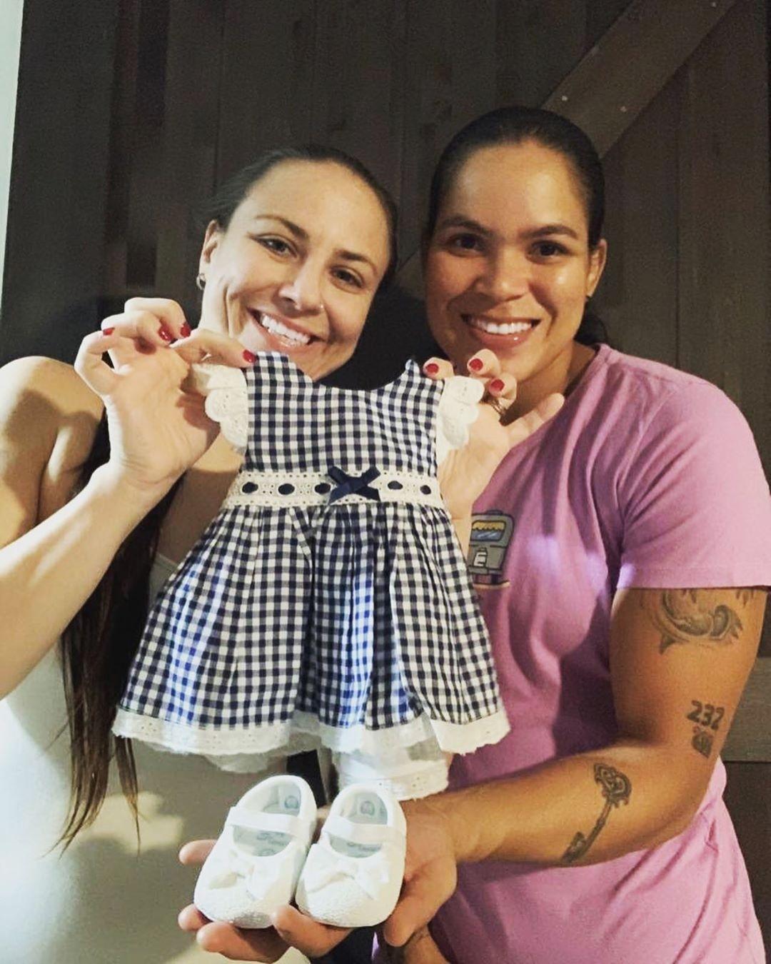 Conheça a fertilização in vitro, método de reprodução utilizado pela Campeã do UFC, Amanda Nunes, para ser mãe pela primeira vez.